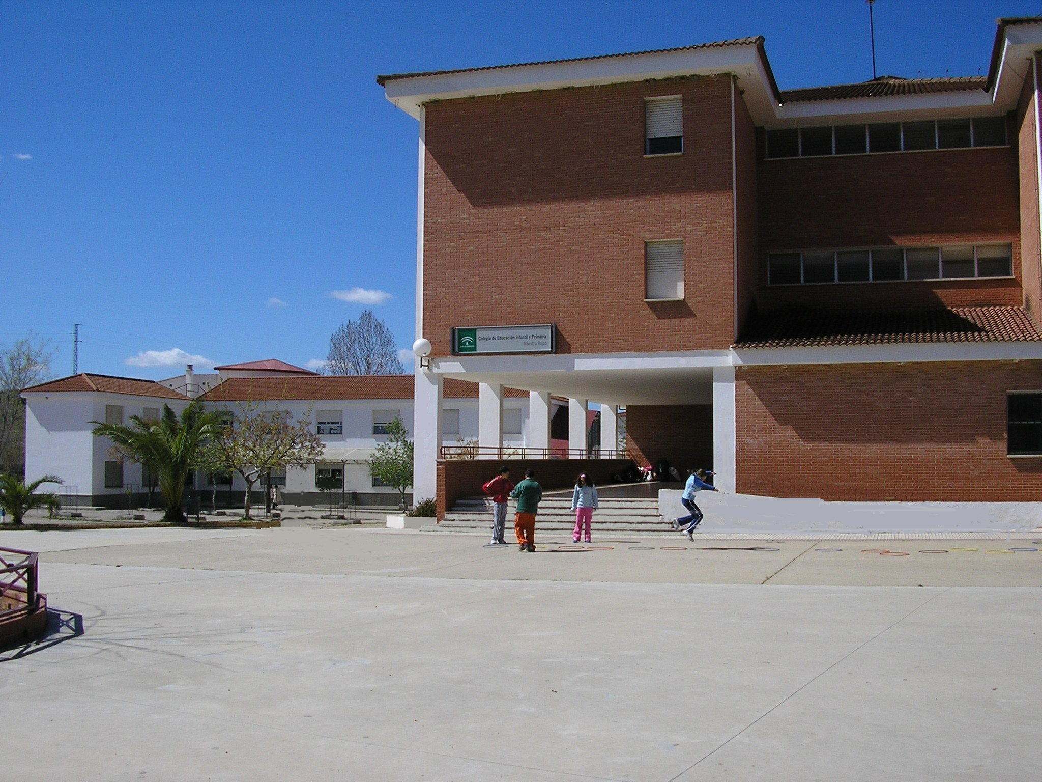 Foto de entrada al colegio