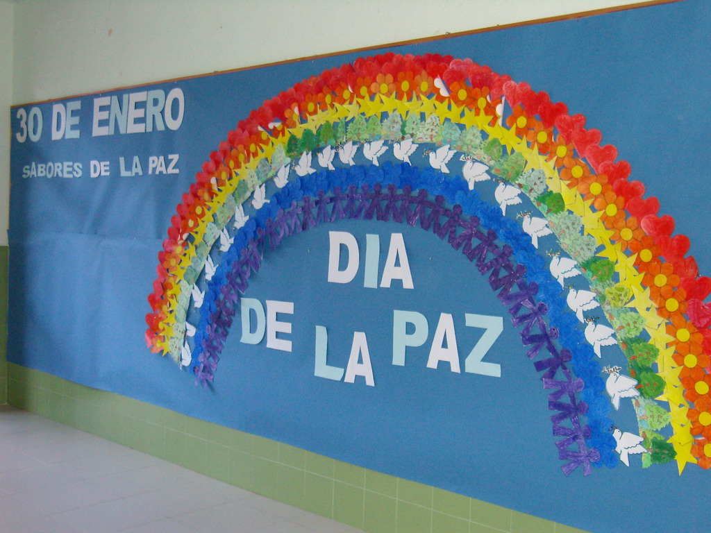 http://reflejosdeluz.es/recursos-para-la-paz/