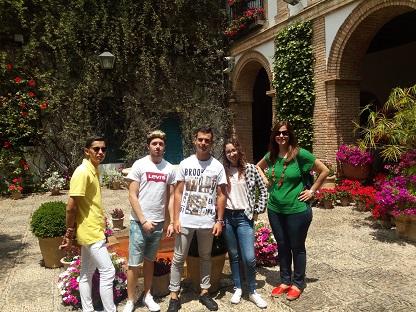 Alumnos y profesores FPB en el Palacio de Viana (Córdoba)