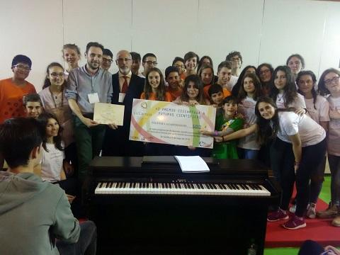 Alumnos del IES Martín Rivero premiados  en la feria de la Ciencia de Sevilla