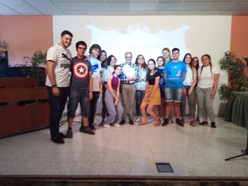 Voluntarios  proyecto solidario banco de alimentos