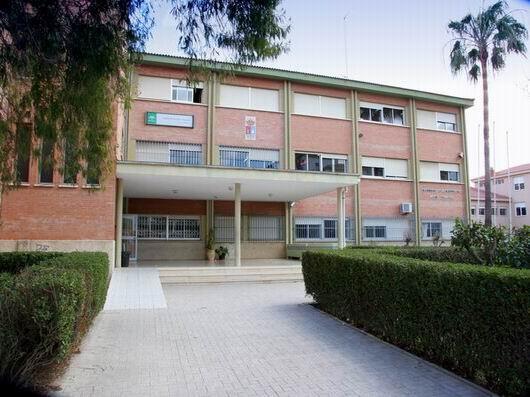 Foto de la entrada del Instituto