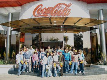 El pasado 28 de marzo visitaron la fábrica de Coca-cola de Sevilla los  alumnos de 2º de Bachillerato de Sociales 708b2882b7d3f