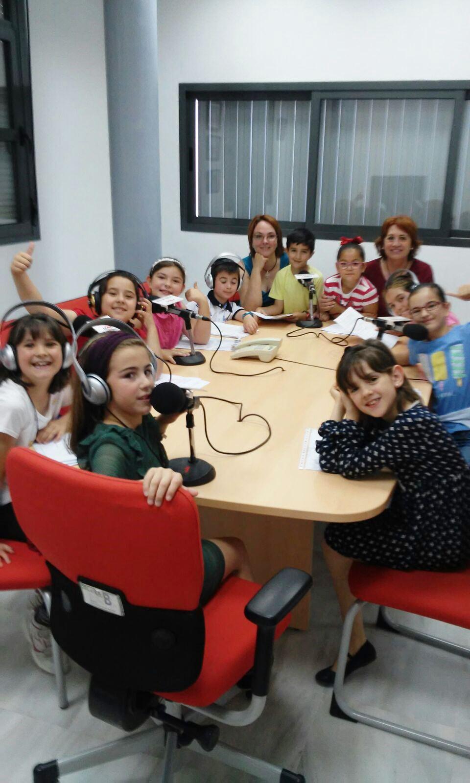 Cuarto programa de radio realizado por alumn@s de 3º Primaria.