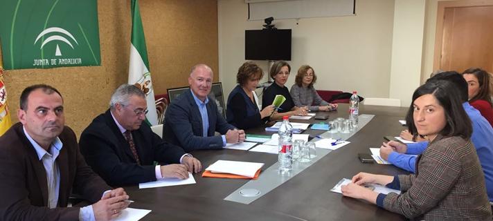Jiménez informa a alcaldes almeriense de la oferta de suelo en sus municipios por importe de 13,3 millones de euros