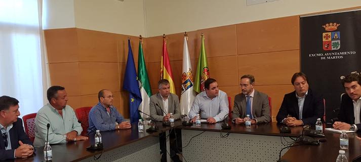 Junta y Ayuntamiento de Martos acuerdan impulsar un nuevo espacio industrial para atender la demanda empresarial