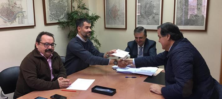 La Junta formaliza la compra de las 58 viviendas de Santiponce y garantiza a las familias su permanencia