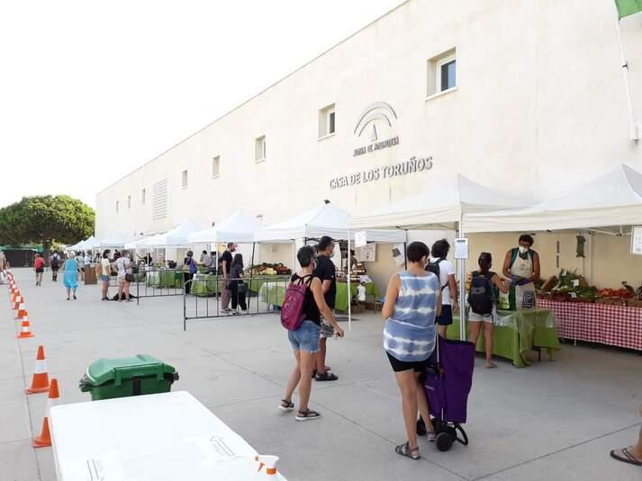 El mercado agroecológico afronta el otoño en Los Toruños con nuevos puestos y actividades