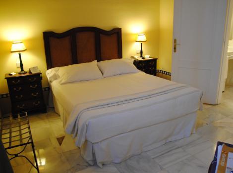 Hotel Alcázar de la Reina. Habitación adaptada