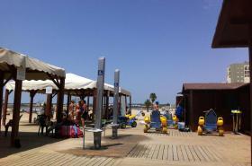 Zona de servicios adaptados de playa
