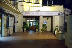 Hotel Don Carlos. Acceso