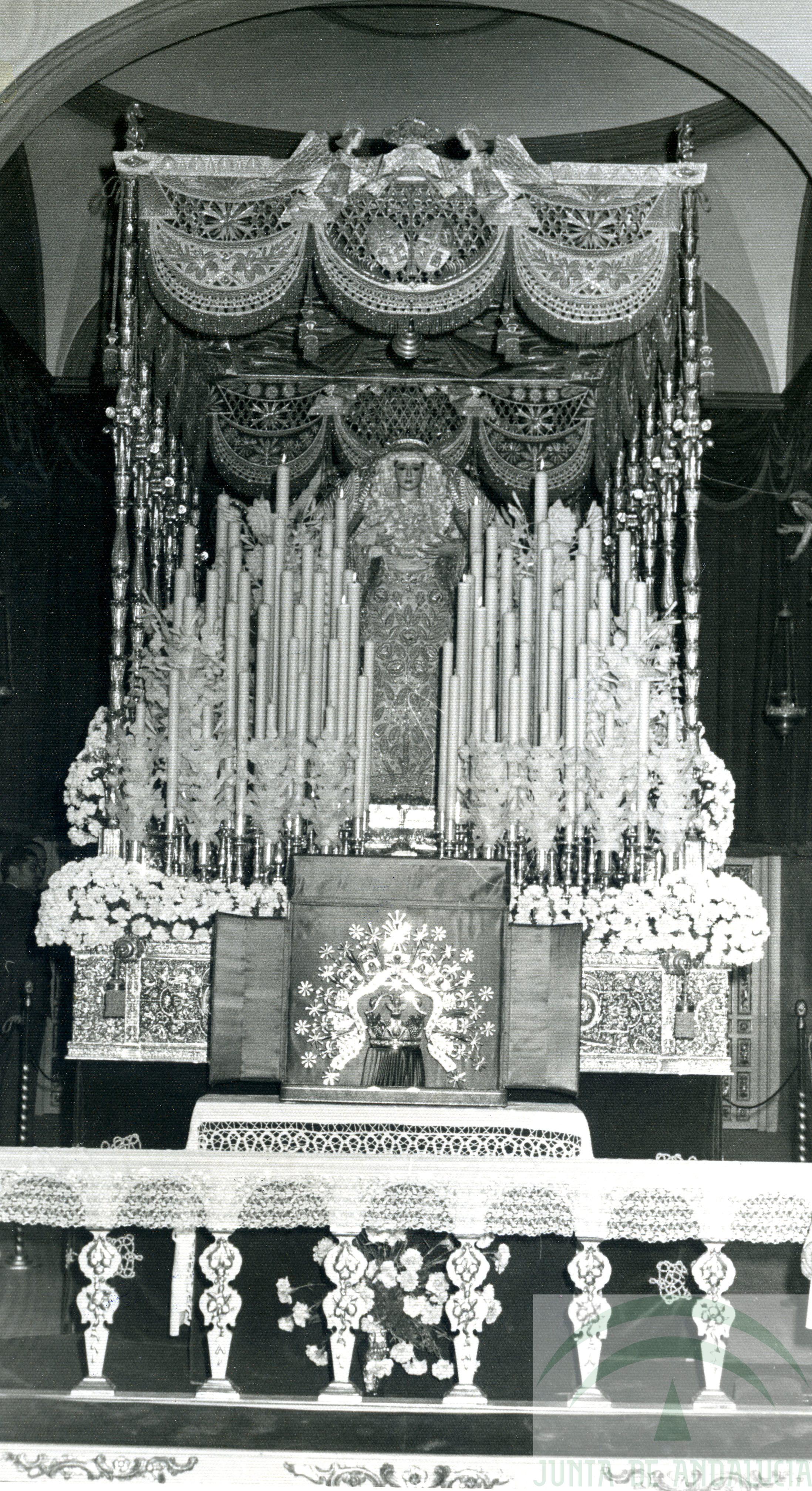 Paso y corona Virgen Angeles