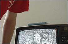 Emma Wolukau-Wanambwa. A Short Video about Tate Modern (Un breve video sobre la Tate Modern), 2003-2005. Video, 4min. 48seg. Fotograma