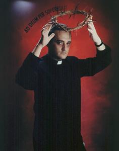 RAFAEL AGREDANO. Ad Deum per superbiam, 1992. Serie Retratos del artista como un poquito jesuita. Nº Edición 2/2. 80 x 61 cm. (sin marco), 103,5 x 83,8 x 2 cm (con marco). Fotografía en color. Cibachrome