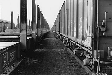PETER DOWNSBROUGH. Sin título, 2004. 30 x 40 cm. Fotografía en blanco y negro sobre papel baritado a la gelatina de plata