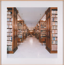CÁNDIDA HÖFER. Biblioteca de la Real Academia de la Lengua, Madrid I, 2000. Nº Edición 6/6. Fotografía. C-Print