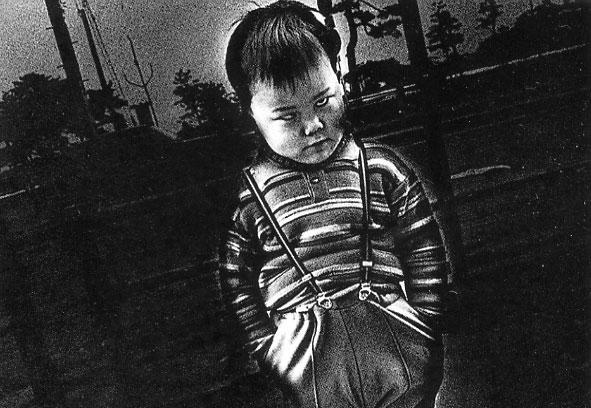 DAIDO MORIYAMA. Japan's Scenic Triomutsumatsushima, 1974 . 100 x 150 cm. Fotografía en blanco y negro