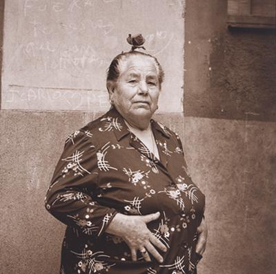 MÁXIMO MORENO. Tía Anica La Piriñaca, ca. 1980. Fotografía sepia. 30,5 x 30,5 cm
