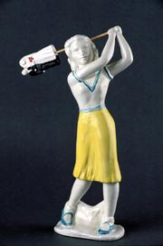 PEPA RUBIO. Golfista, Serie Proyecto Delft, 1995. 28 x 17,5 x 7 cm. Cerámica decorada