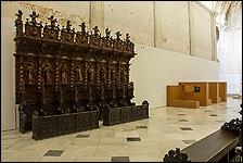 Iglesia. Sillería barroca de Agustín de Perea y Juan de Valencia / Obra de Andrea Blum. Colección CAAC