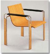 "Equipo 57: ""Silla de brazos"" (1962). Madera , acero, skai. 75x68x56"