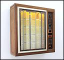 RUTH EWAN. A Jukebox of People Trying to Change the World (Una máquina de discos de gente que intenta cambiar el mundo), 2003 - Archivo en curso. Máquina de discos de CD Sound Leisure con más de 1.000 canciones
