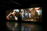 Matt Stokes, these are the days, 2008-2009. Two-channel Super 16mm film and audio transferred to hard-drives, 6' 26''. Cortesía del artista, Lüttgenmeijer (Berlín, Alemania), Workplace Gallery (Gateshead, UK) y ZieherSmith (New York, USA)