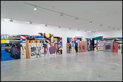 """Vista de sala de la exposición """"José Piñar. Remasterizaciones y Grandes éxitos"""""""