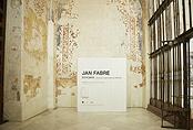 Recorrido fotográfico por la exposición Jan Fabre. Estigmas. Acciones y performances 1976 - 2017