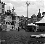 Carrie Mae Weems. Roaming_Piazza del Popolo-Ancient Rome