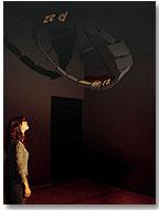 """Martín Bonadeo (Argentina): """"Moebius display"""", 2006. Instalación - Escultura lumínica dinámica - LEDs- hardware y software custom y sonido. Cortesía del artista"""