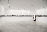 Vista general de sala con obras de Hans Peter Feldman. Fotografía: Guillermo Mendo