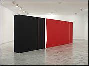 JOSÉ SOTO. Black and red on white. Diagonal constant space, 2012. Courtesy of the artist