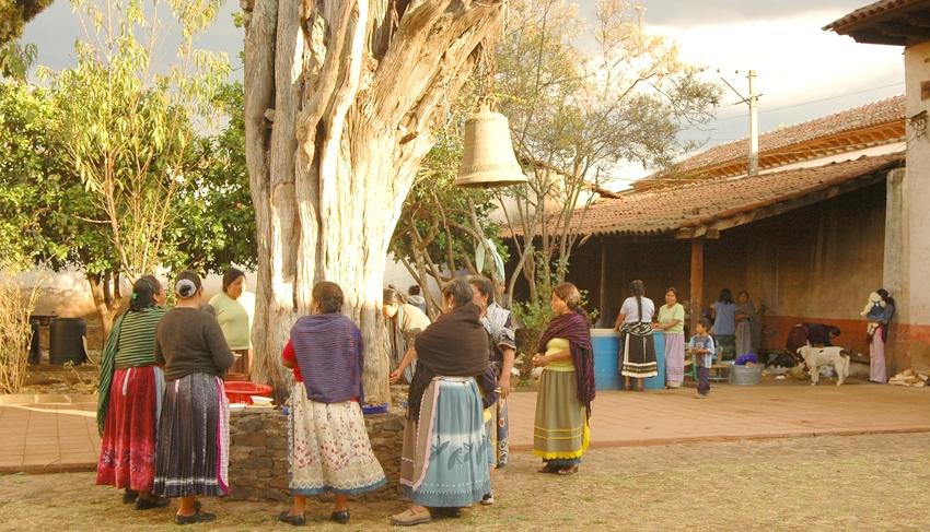Entregadas en febrero 19 viviendas rehabilitadas en Tzintzuntzan [México]