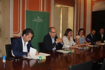 La Junta restará espacio al coche a favor del peatón y la bici en Arahal, Sanlúcar la Mayor y Las Cabezas con La Ciudad Amable