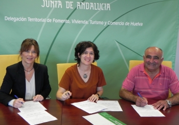 Junta y Ayuntamiento de Rosal de la Frontera acuerdan rehabilitar la Plaza de España con una inversión de 176.000 euros