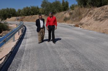 Fomento y Vivienda mejora el firme de la A-7201 entre Cuevas Bajas y Villanueva de Algaidas