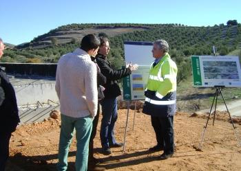 La Junta reactiva las obras de acondicionamiento de la A-323, entre Guadahortuna a Iznalloz