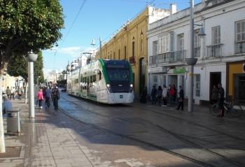 La unidad del tren tranvía de la Bahía de Cádiz recorre 132 kilómetros en pruebas