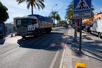 La Consejería de Fomento adapta a la normativa vigente 1.500 reductores de velocidad de la red de carreteras de Andalucía