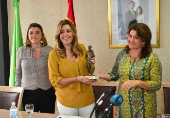 Susana Díaz inaugura el Ayuntamiento de Segura de la Sierra tras la rehabilitación ejecutada con un coste de 2,86 millones