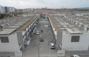 La Junta licita obras para rehabilitar las 96 viviendas públicas en el barrio onubense de Marismas del Odiel