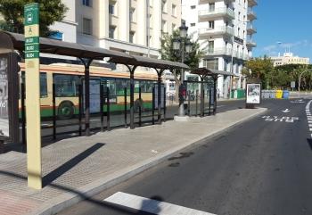 El Consorcio de la Bahía de Cádiz finaliza las obras de mejora de las paradas de autobús del Trocadero en la capital