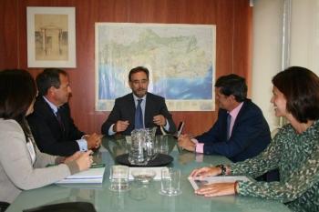 Junta y Sareb colaborarán en el impulso de la función social del parque de viviendas de esta sociedad en Andalucía