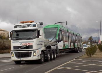 Metro de Granada recibe la tercera unidad de su flota de trenes para su incorporación a la fase de pruebas