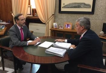 Junta y Ayuntamiento de Jaén acuerdan constituir un grupo de trabajo para reactivar el tranvía
