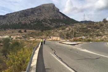 Junta y Ayuntamiento de Vélez Blanco construirán una senda en la A-317 para garantizar la seguridad de los peatones