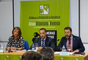 Valdivielso destaca la contribución de la Oficina en Defensa de la Vivienda de la Junta en la lucha contra los desahucios