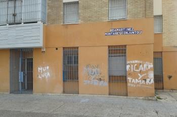 La Junta oferta seis locales en alquiler en Polígono Sur para uso social y comercial