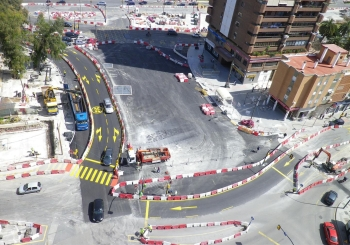 Finaliza la reposición de calzada y restitución de acerado en la glorieta de Albert Camus tras las obras del Metro de Málaga